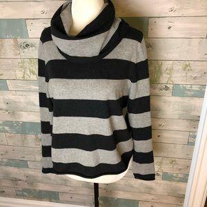 LillaP sweater size M